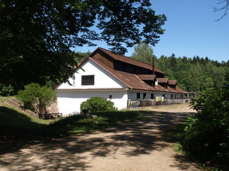 původní budova vodního hamru dobřív