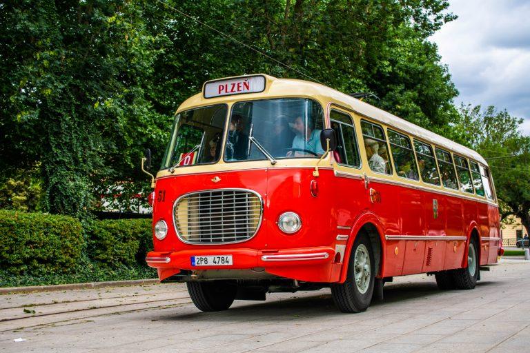 Historický autobus PMDP